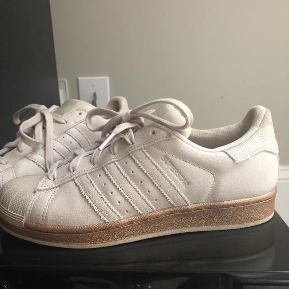 prix le plus bas 18289 6a559 NEW Adidas Superstar Shell toe Bronze